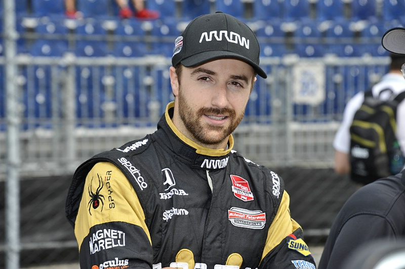 INDYCAR -  Hinchcliffe undergoes surgery after practice smash in Indianapolis